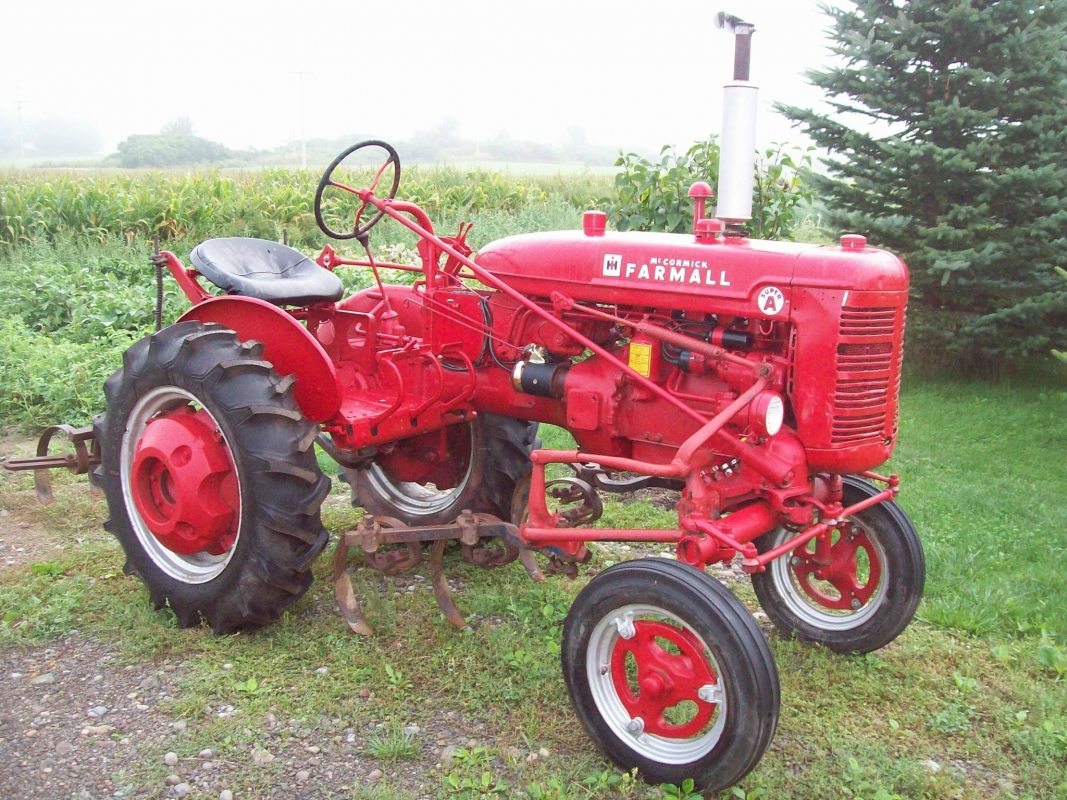 Farmall Super A Cultivator : William kent inc wny s leading auctioneer appraiser